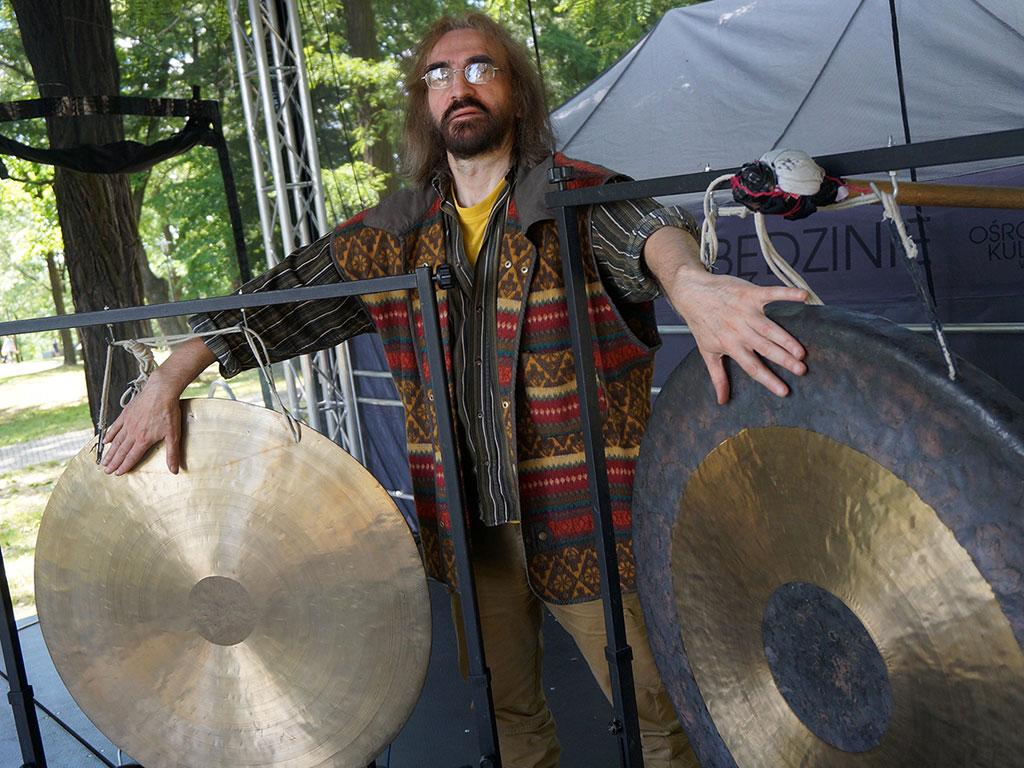 Będzin Waldemar Rychły z gongami