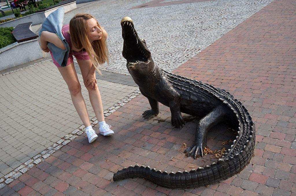 Kolbuszowa Asia z krokodylem