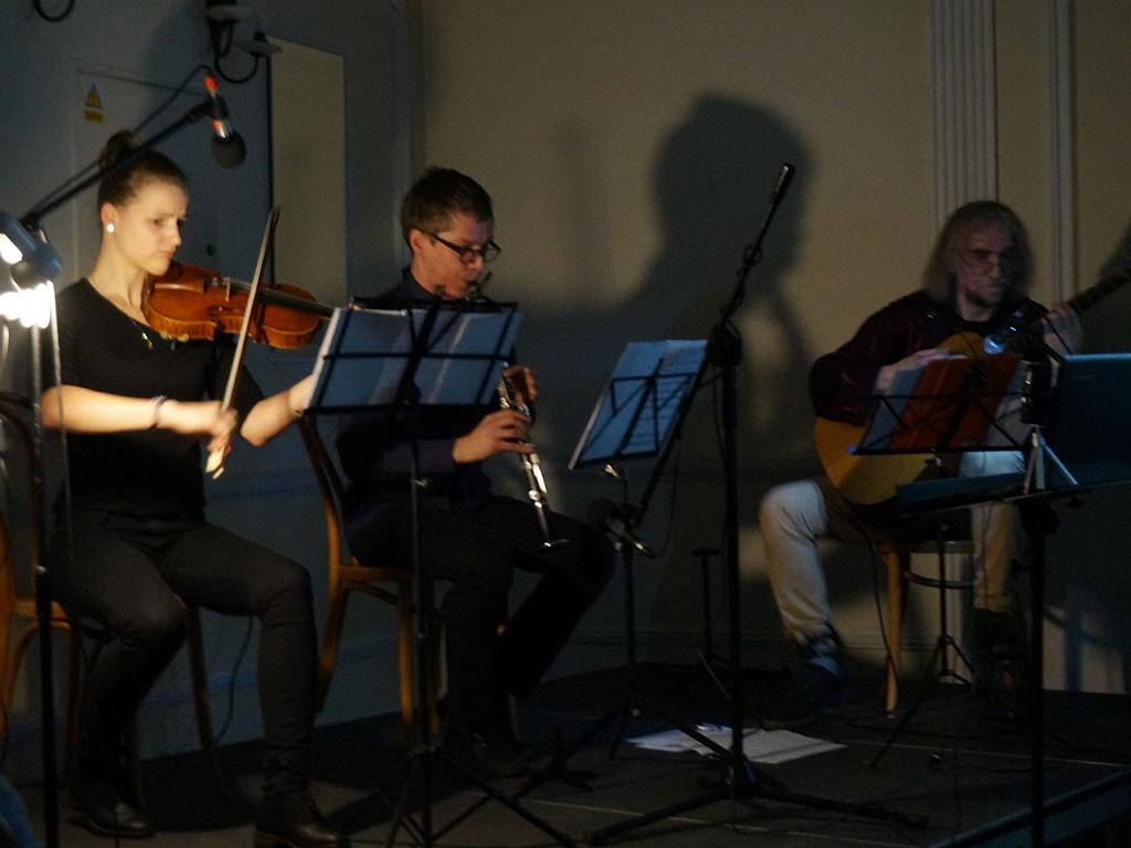 Kraków koncert folkowy - film niemy z muzyką na żywo